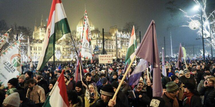 Una sconfitta per Orban. Accolto il ricorso dei sindacati