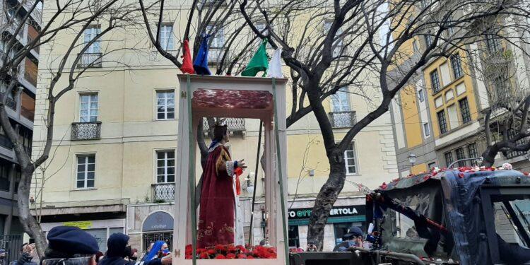 In tanti nonostante zona rossa a Cagliari per processione santo