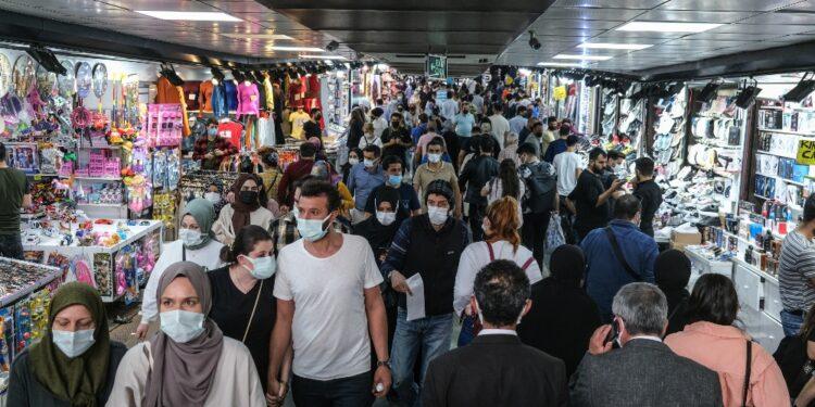 Ankara annuncia arrivo altre 90 milioni dosi Pfizer e 10 Sinovac