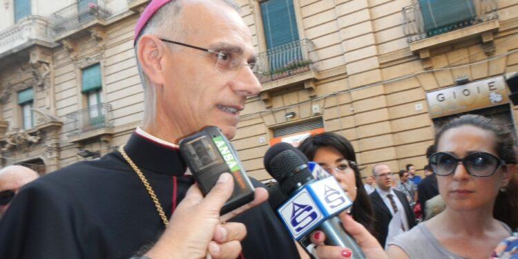 Vescovo di Acireale asintomatico