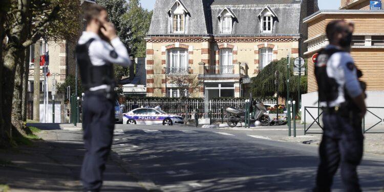 L'assalitrice è morta. E' accaduto nella regione di Bordeaux