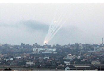 Israele chiude le zone di pesca ed il valico di Erez