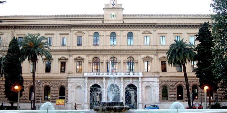 Dopo polemiche riduzione tasse universitarie a studentesse Bari