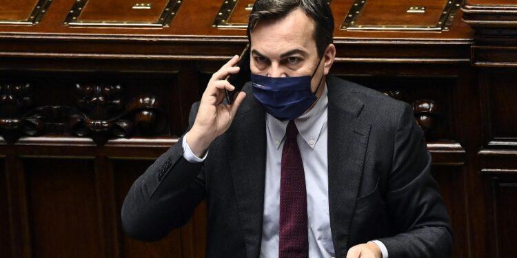 'Mostri solidarietà all'Italia