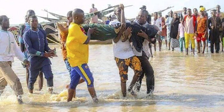 Ieri ribaltamento battello sul Niger