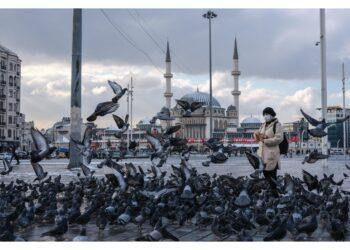 Opera contesa in piazza simbolo di Istanbul pronta dopo 4 anni