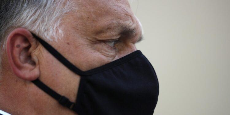 Orban: 'Abbiamo sconfitto la terza ondata del virus'