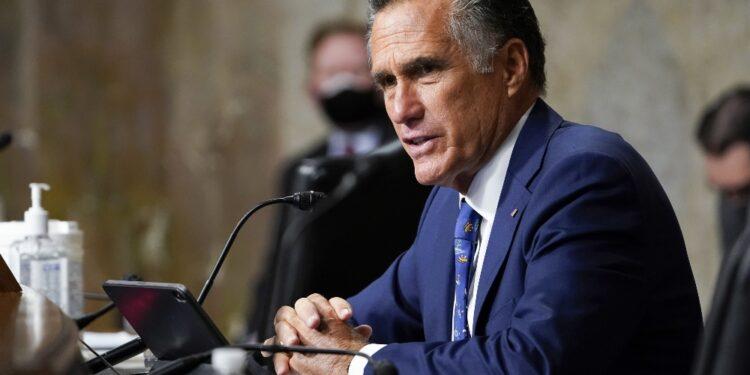 Attaccato a convention Utah per aver votato impeachment Trump