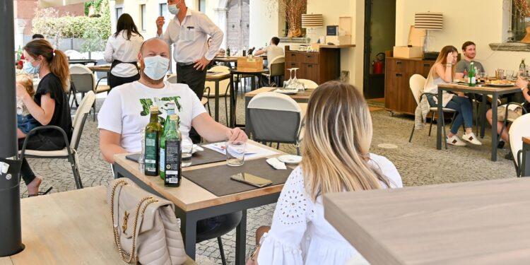 Riapertura attività commerciali a Como (fase 2 coronavirus): bar e ristoranti.