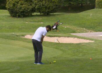 un giocatore di golf sul campo di appiano gentile