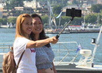 turismo turisti lago di como