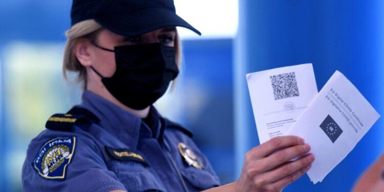 'Permettere ad americani di ottenere certificato facilmente'