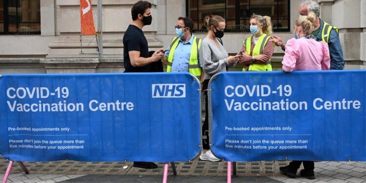 Record da 6/2 ma morti calano grazie a 60% popolazione vaccinata