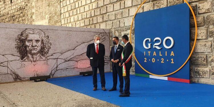 Con il ministro il sindaco Decaro e il governatore Emiliano