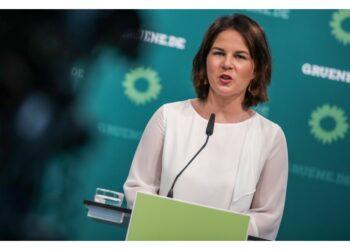 La candidata cancelliera dei Verdi respinge le accuse:'Calunnie'