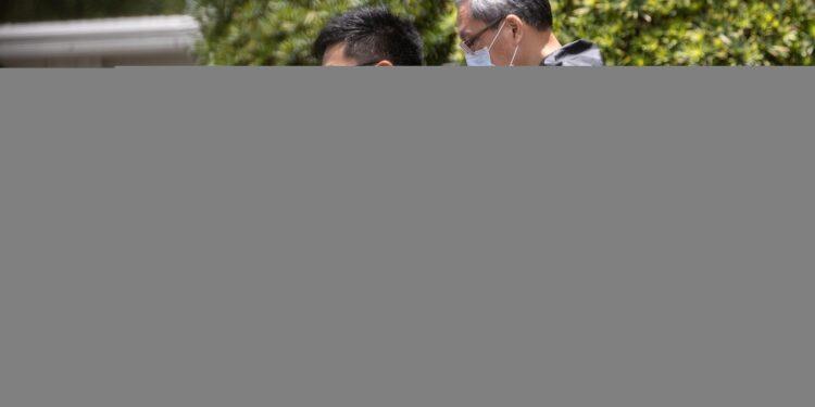 Altri 3 dirigenti del giornale dissidente usciti su cauzione