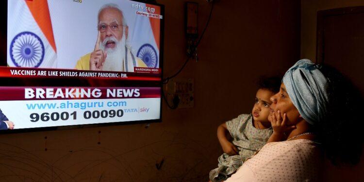 Governo cambia strategia: dosi procurate da Delhi