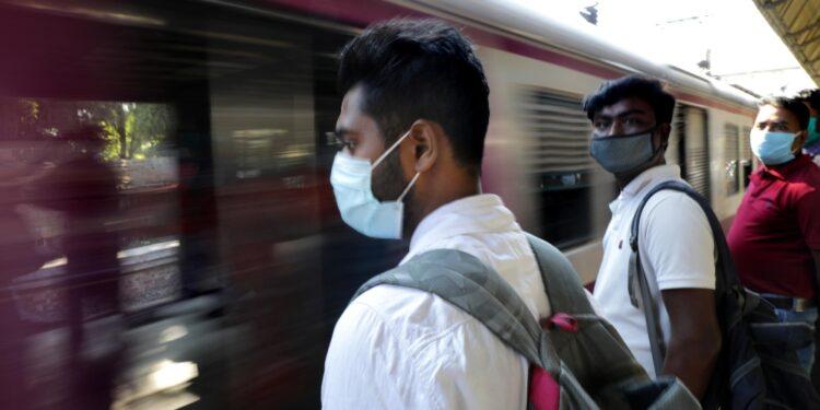 Lavoratori convinti che i treni non circolassero