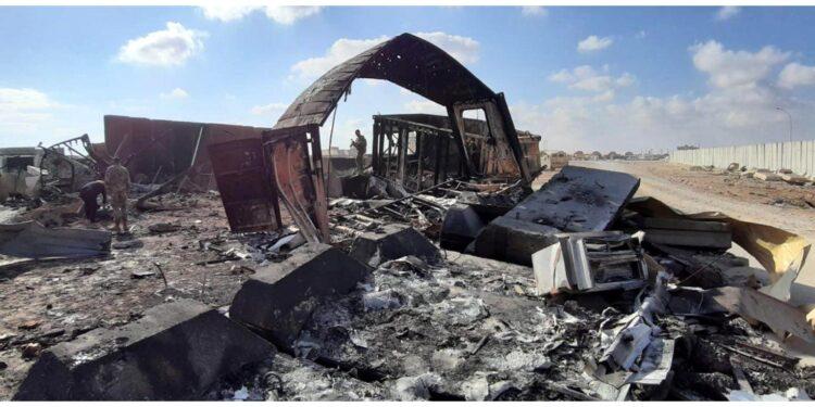 Prima un razzo aveva colpito l'aeroporto di Baghdad