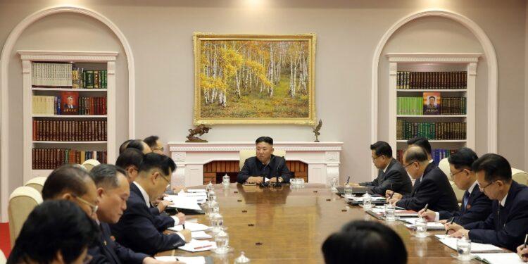 Il leader nordcoreano parla al Comitato centrale del partito