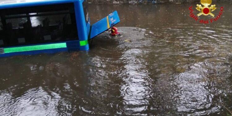 Autobus bloccato a Busto Arsizio