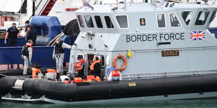 Ministero Interni apre indagine. Centinaia arrivi in settimana