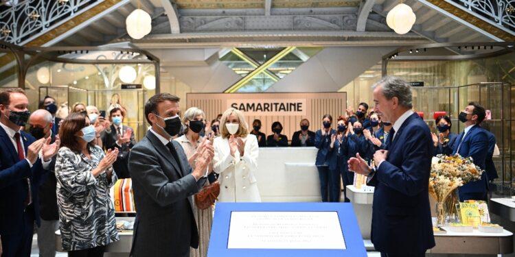 Macron: 'La città ritrova il suo gioiello architettonico'