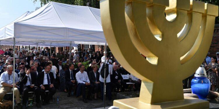 Varsavia: 'Legge strumentalizzata a fini politici interni'