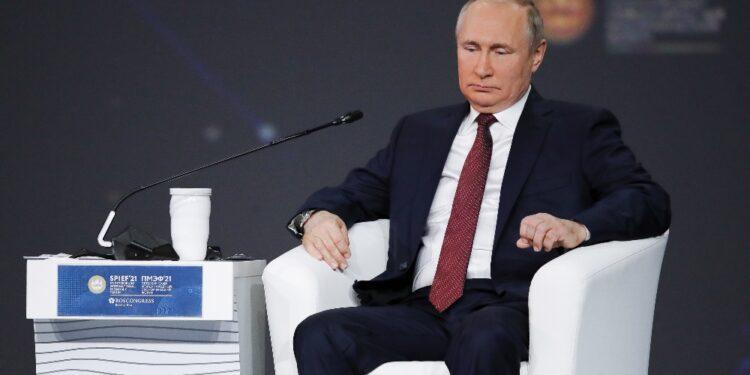 Lo ha detto al Forum di San Pietroburgo