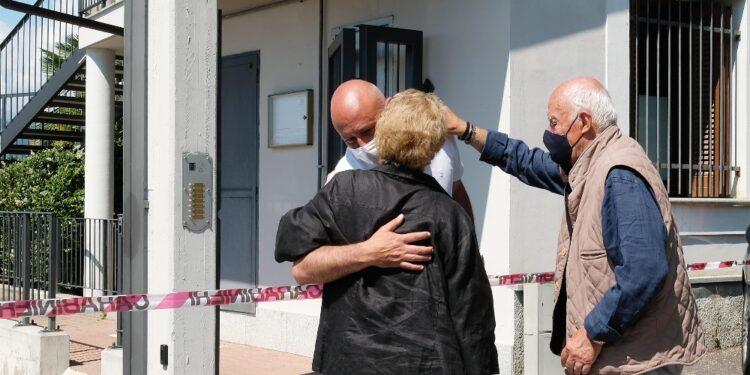 Chiesa gremita per addio ad architetto morto scorso 9 giugno