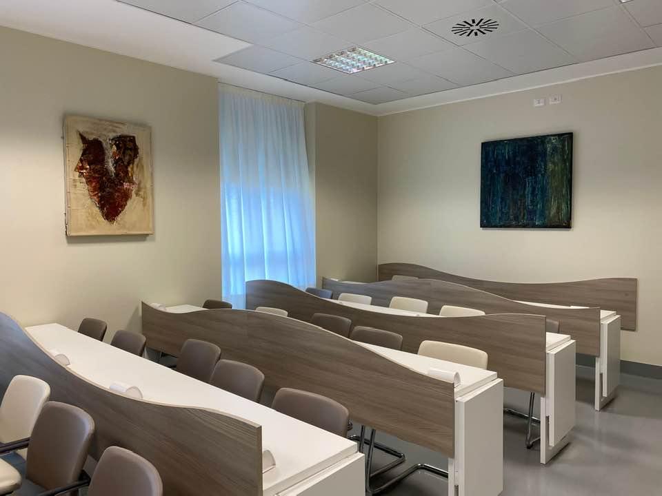 La parte della sala dedicata alla trasmissione delle immagini dalla sala operatoria