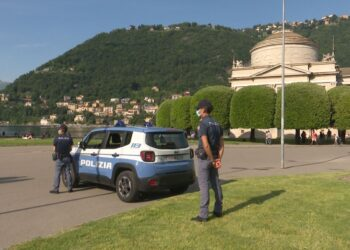 polizia giardini a lago como