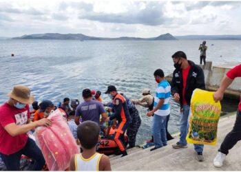 Autorità chiedono evacuazione di migliaia di persone