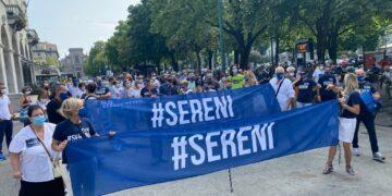Protestano contro il funzionamento delle Commissioni d'inchiesta