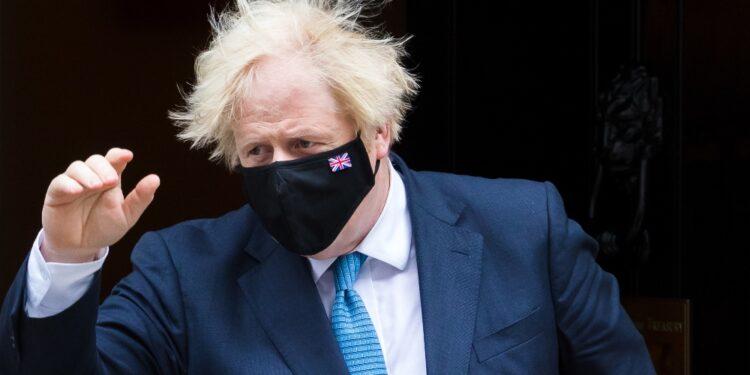 Scozia e Galles mantengono l'obbligo di mascherina al chiuso