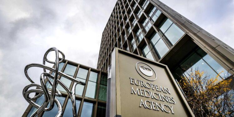 Maggiore coordinamento e trasparenza su sperimentazioni cliniche