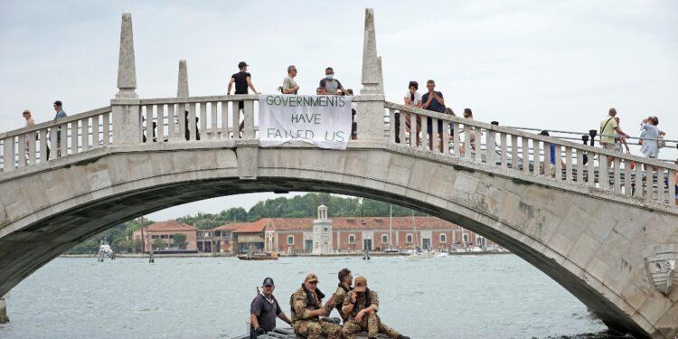 . G20 Venezia: prima protesta