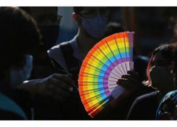 Criminalizzato anche sostegno a intersessuali. Sdegno attivisti