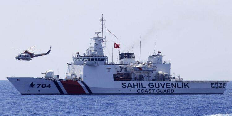 'Durante pattugliamento navale contro immigrazione irregolare'