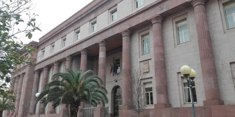 Presidente Tribunale Minori respinge richiesta decadenza