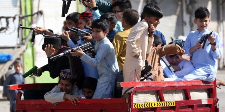 In molti partecipano a manifestazione di appoggio a jihadisti