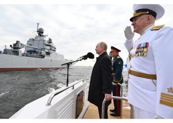 Oggi la parata delle navi militari a San Pietroburgo