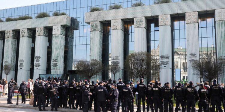 Varsavia respinge al mittente