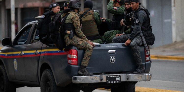 Due giorni di guerriglia urbana a Caracas