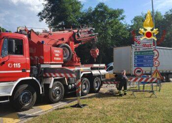 camion incastrato viadotto lavatoi