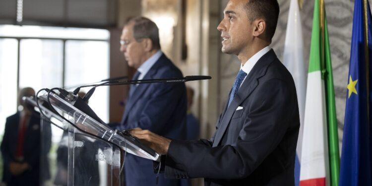 Conferenza stampa Di Maio-Lavorv