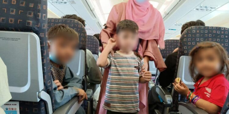 Fuga da Kabul con Nove Onlus