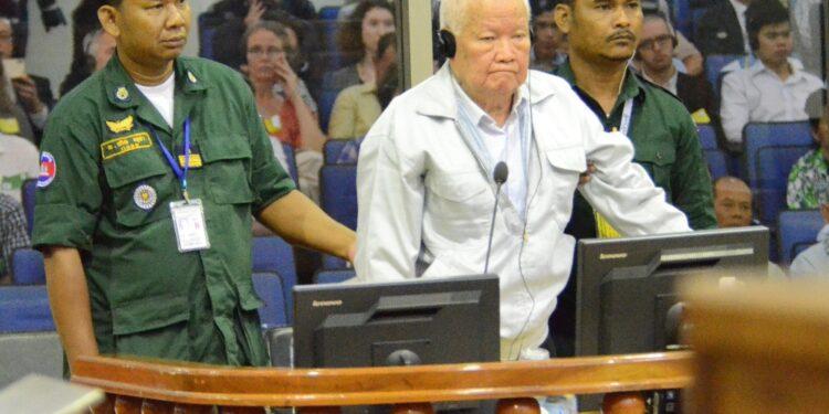 Khieu Samphan in appello: 'Mai commesso quei crimini'