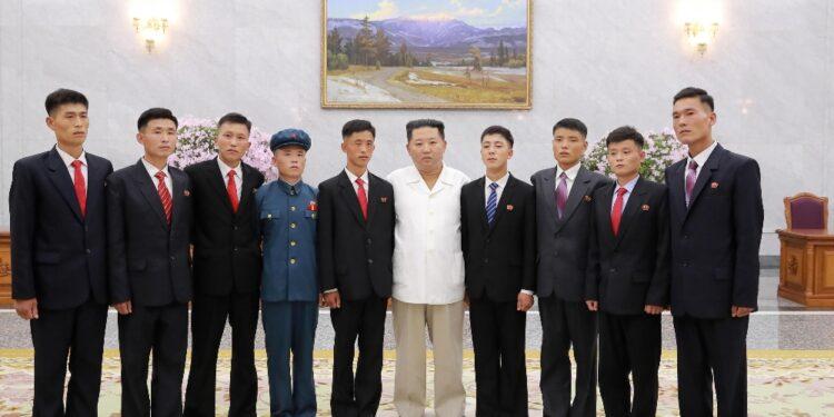Leader ha partecipato a Pyongyang alla Giornata della Gioventù