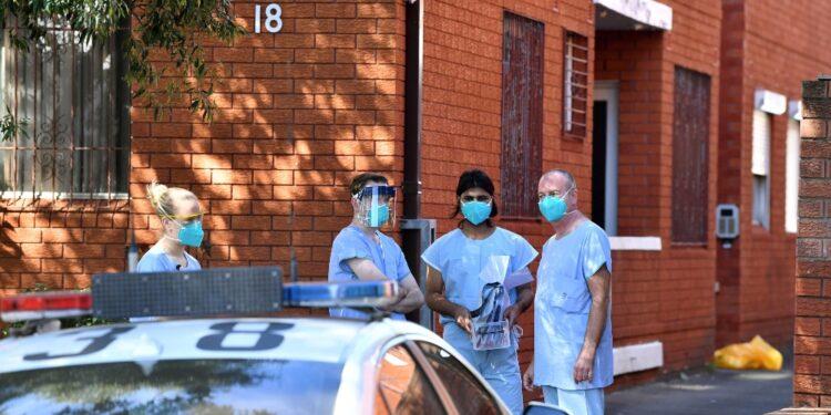 Tende da campo in due ospedali di Sydney per aumento pazienti